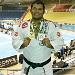Thiago Souza, champion in 'heavy weight' (over 220lbs) and absolute master 1.
