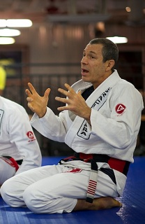 Master Carlos Gracie Jr. Teaching